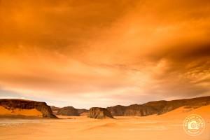 Vue sur la Tadrart depuis les dunes de Moul n'Aga, Sahara, Algérie (avec filtre cokin couleur tabac) © Clément Racineux / Tonton Photo