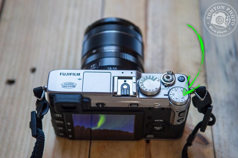 Fujifilm X-E1 : la  molette de correction de l'exposition
