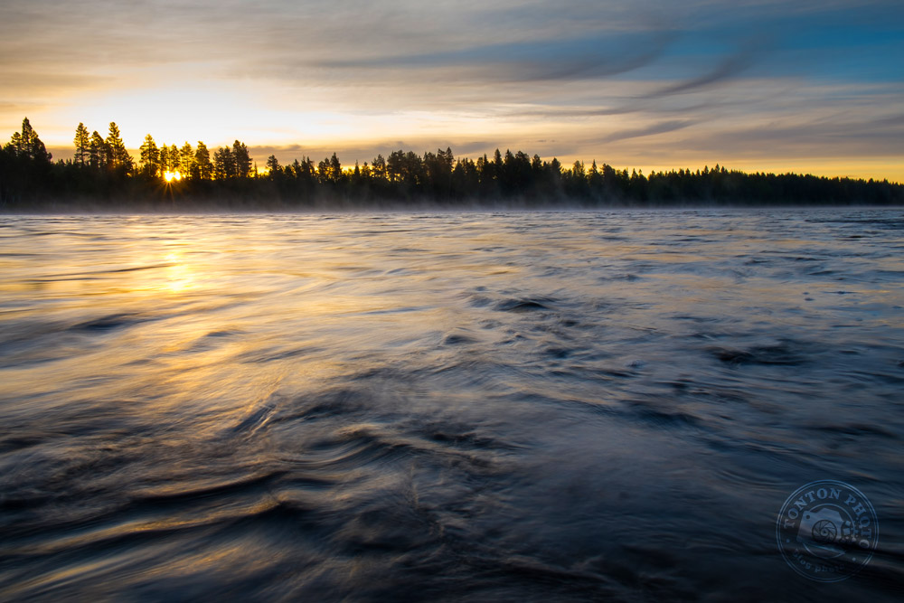 Lever de soleil sur la rivière Pite, Laponie suédoise © Clément Racineux / Tonton Photo