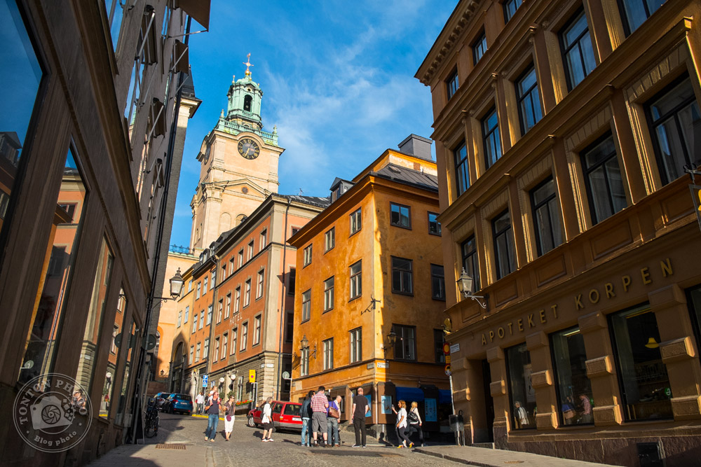 Dans les ruelles du vieux quartier médiéval de Gamla Stan. Stockholm, Suède © Clément Racineux / Tonton Photo