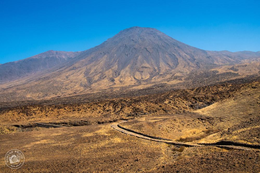 Le volcan Tope de Coroa (1979m), entre Tarrafal et Monte Trigo, Santo Antão, Cap Vert © Clément Racineux / Tonton Photo