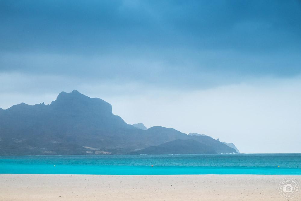 """La plage """"maldivienne"""" de Laguinha, en plein coeur de Mindelo, île de São Vicente, Cap Vert © Clément Racineux / Tonton Photo"""
