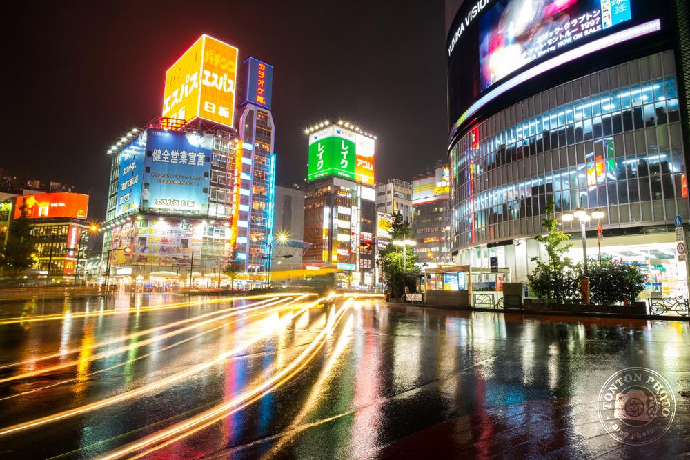 Pose longue dans le quartier de Shinjuku, Tokyo, Japon © Clément Racineux / Tonton Photo