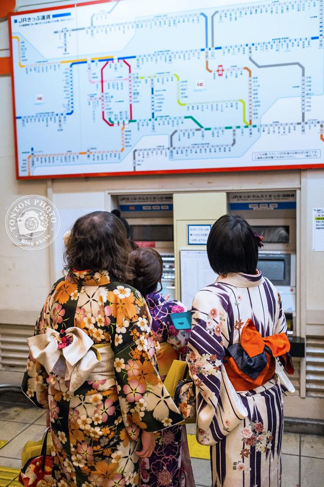 Dans une station de métro de Kyoto, Japon © Clément Racineux / Tonton Photo