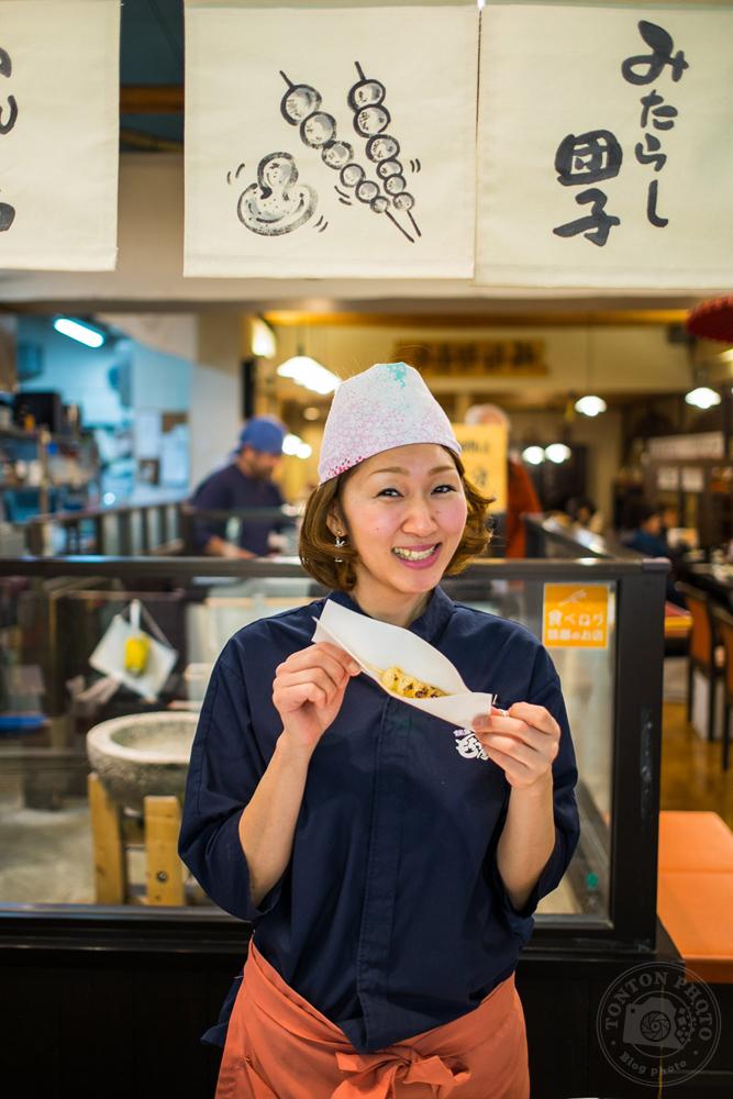 Commerçante au marché de Kyoto, Japon © Clément Racineux / Tonton Photo