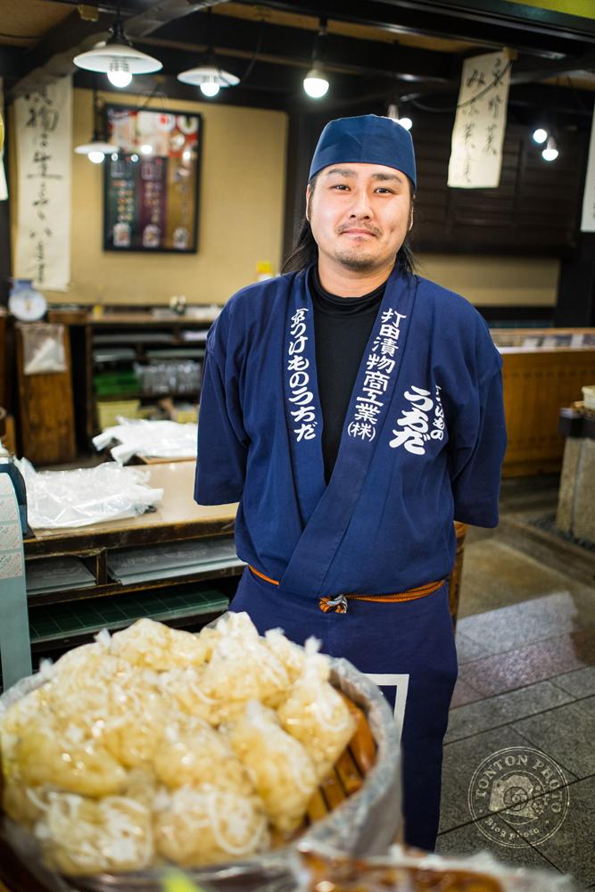 Commerçant sur le marché de Kyoto, Japon © Clément Racineux / Tonton Photo