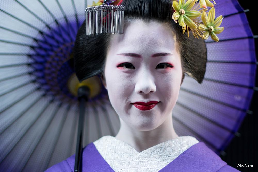 Portrait de geisha dans le quartier de Gion, Kyoto, Japon © M. Barro