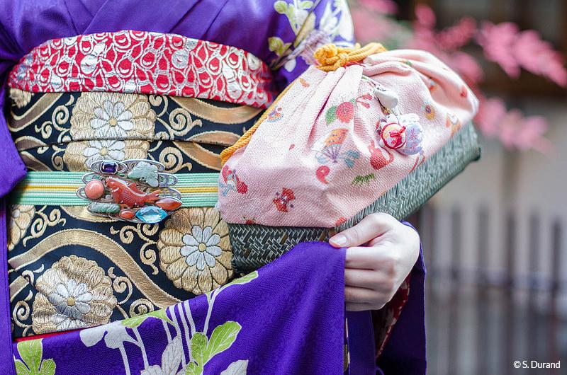 Détails de la tenue d'une Geisha. Quartier de Gion, Kyoto, Japon © S. Durand