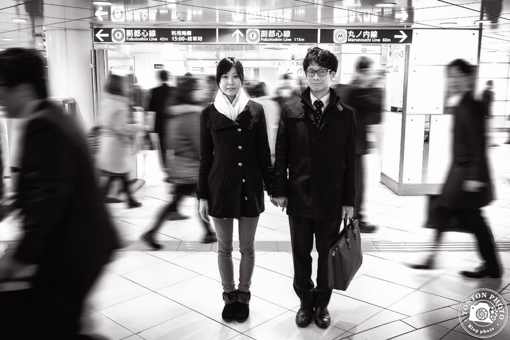 Coulisses d'une photo : les amoureux du métro de Tokyo, Japon © Clément Racineux / Tonton Photo