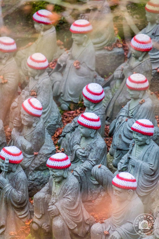 Le temple Daisho-In et ses centaines de statues bouddhiques. Île de Miyajima, Japon © Clément Racineux / Tonton Photo