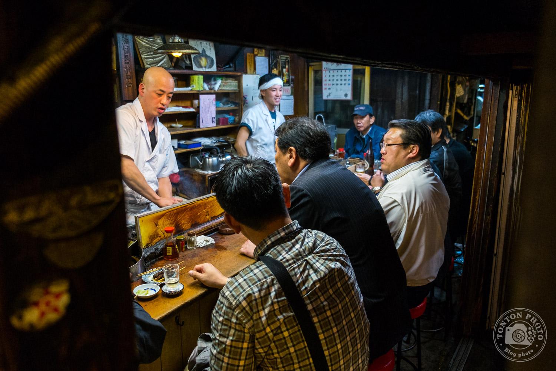 Tokyo à l'heure du dîner dans le quartier de Shinjuku, Japon © Clément Racineux / Tonton Photo