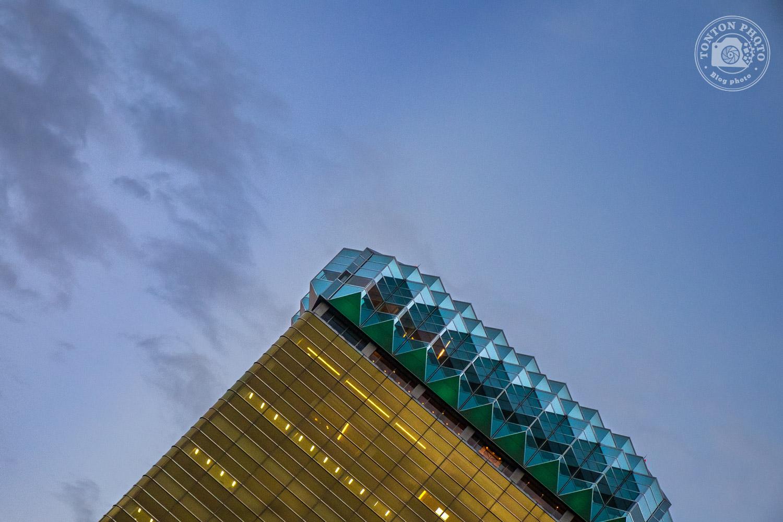Être créatif en cassant les repères visuels. Photo d'architecture dans le quartier d'Asakusa, Tokyo, Japon © Clément Racineux / Tonton Photo