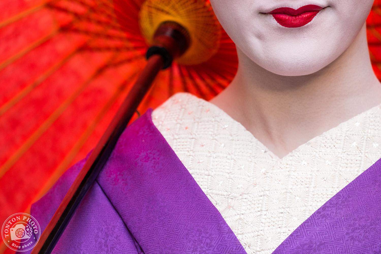 Portrait suggestif de geisha, quartier de Gion, Kyoto, Japon © Clément Racineux / Tonton Photo