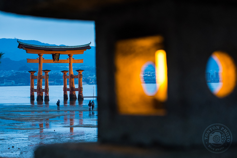 Le grand torii de l'île de Miyajima, Japon © Clément Racineux / Tonton Photo