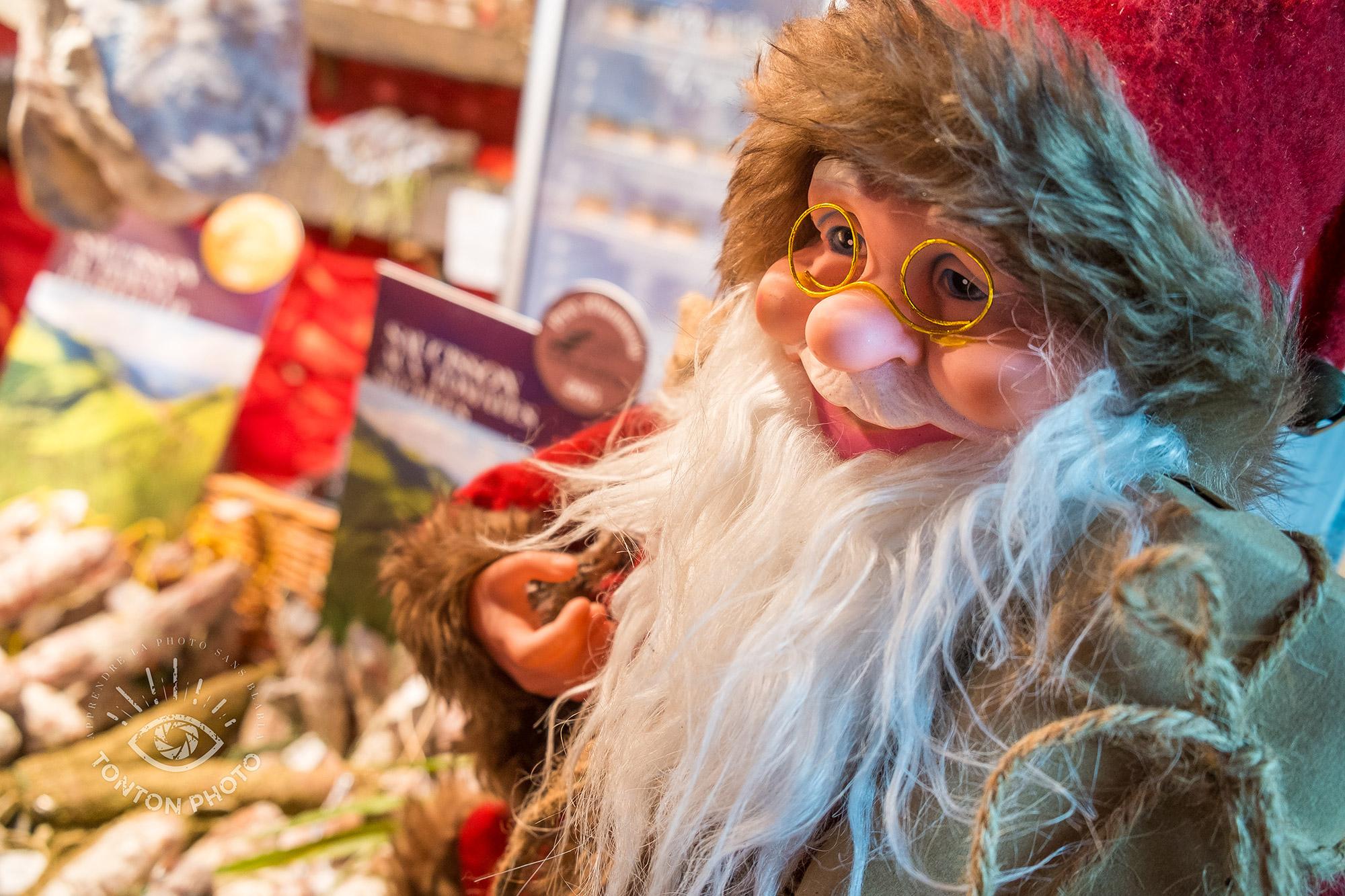 Un Père Noël gourmand | Comment photographier pendant Noël et les fêtes de fin d'année ? © Clément Racineux / Tonton Photo