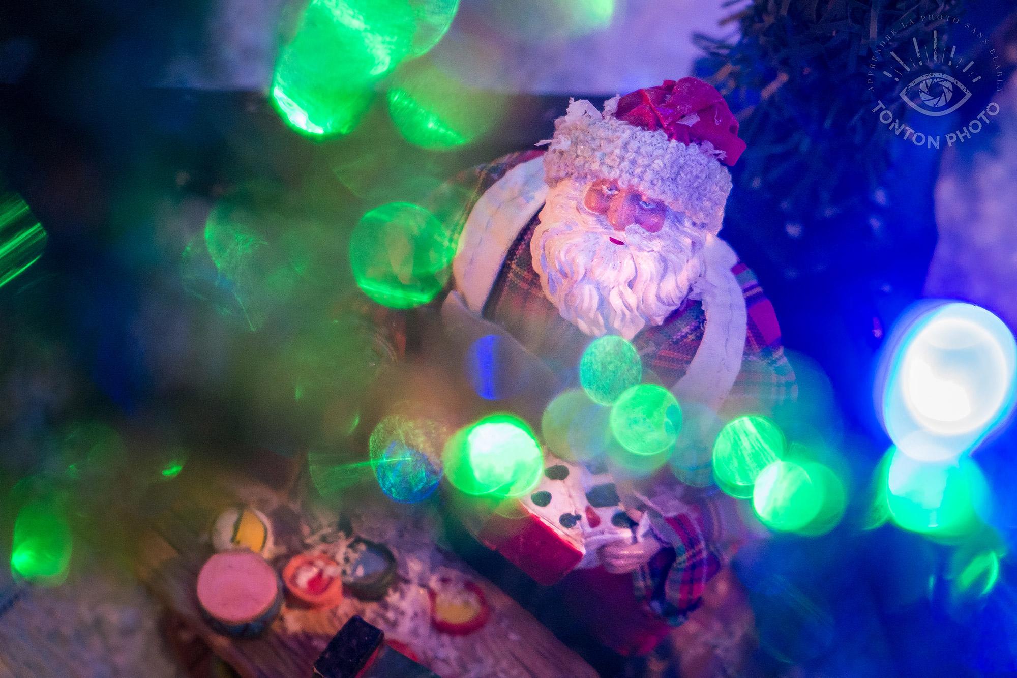 Bokeh de père Noël - Comment photographier pendant Noël et les fêtes de fin d'année ? © Clément Racineux / Tonton Photo
