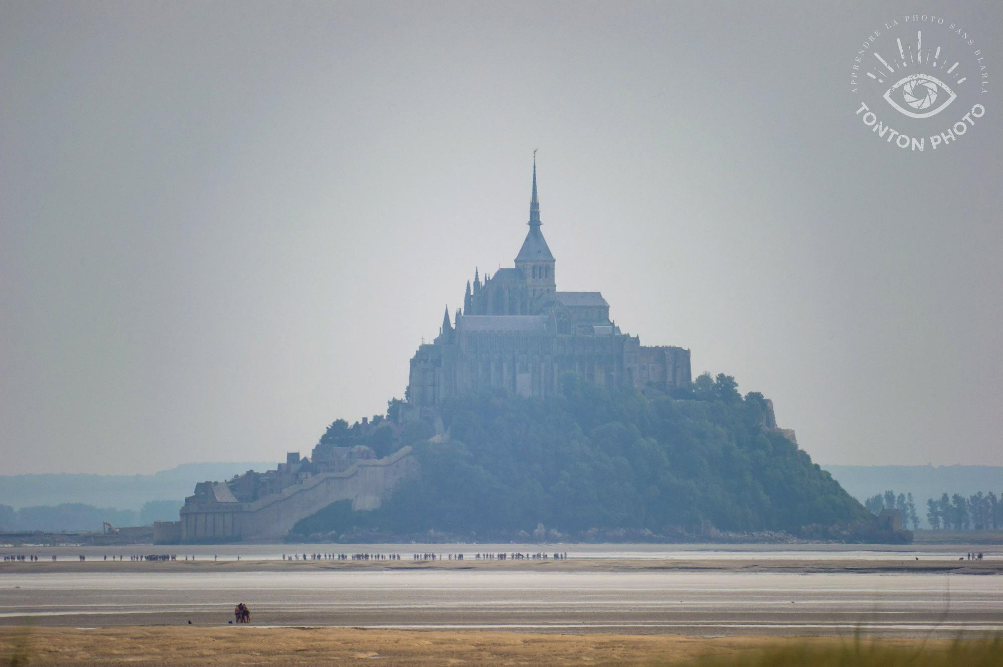 Le Mont Saint-Michel photographié à bonne distance grâce au télé-objectif Samyang 500mm f/6.3 MC IF © Tonton Photo