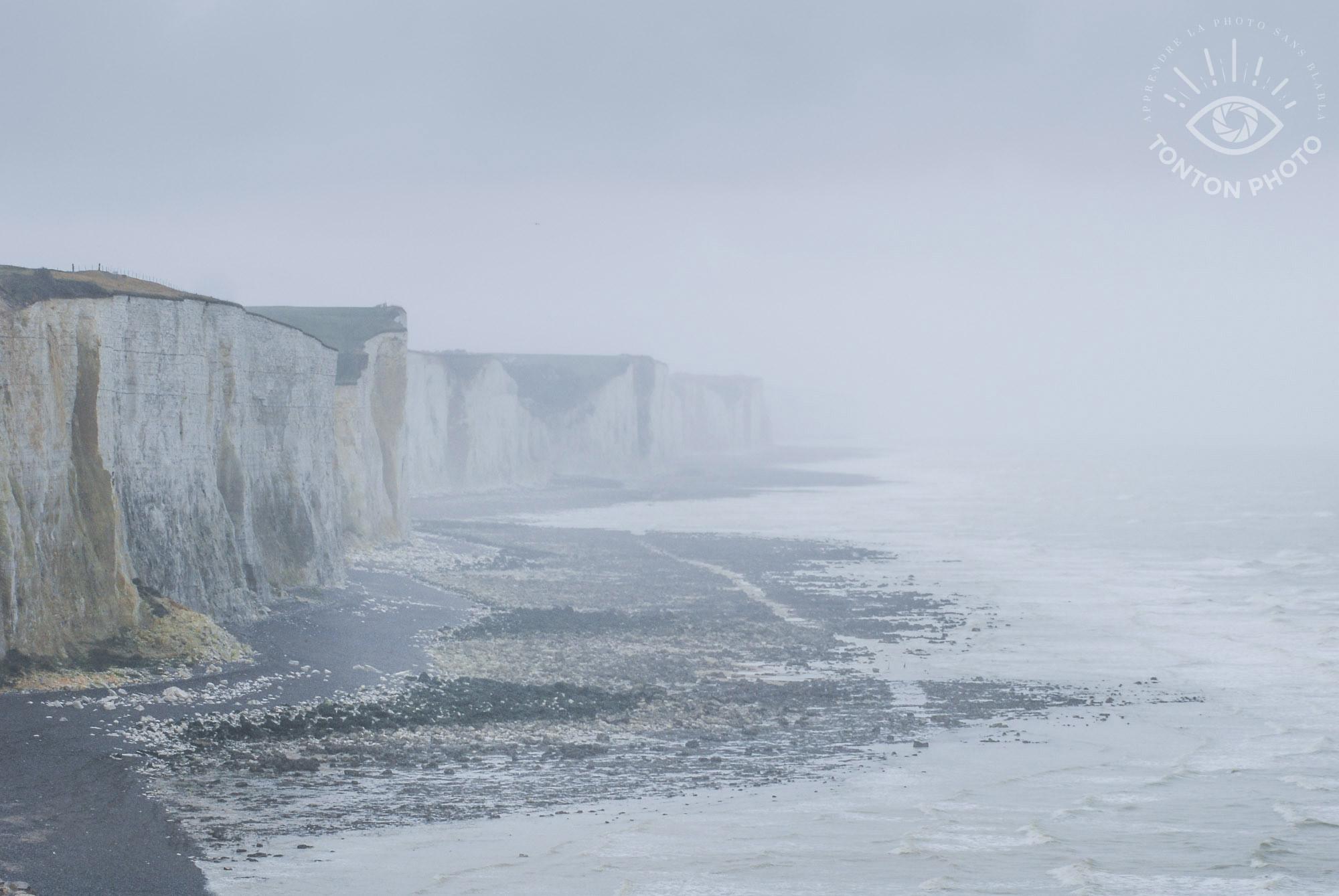Comment photographier le brouillard ? Les falaises d'Ault en Baie de Somme © Clément Racineux / Tonton Photo